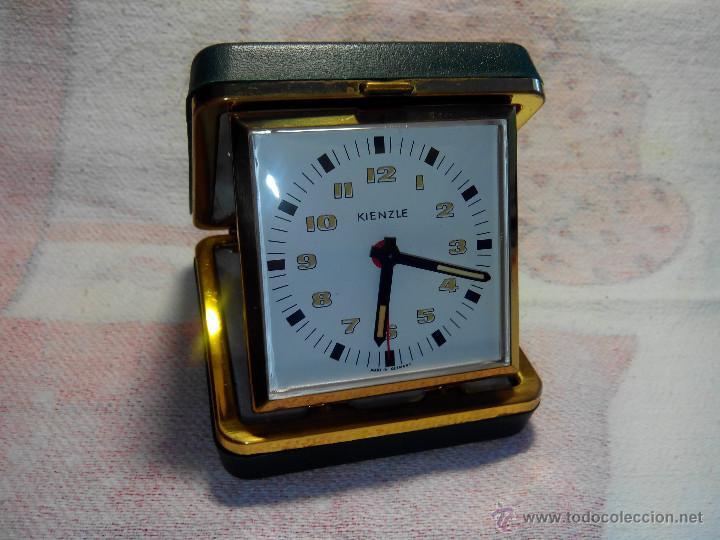 DESPERTADOR DE VIAJE KIENZLE. ((IMPECABLE)). AÑOS 70. EN COLECCION. FUNCIONANDO. DESCRIPCIO Y FOTOS. (Relojes - Relojes Despertadores)