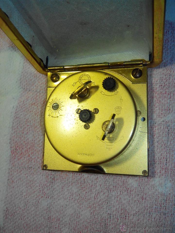 Despertadores antiguos: DESPERTADOR DE VIAJE KIENZLE. ((IMPECABLE)). AÑOS 70. EN COLECCION. FUNCIONANDO. DESCRIPCIO Y FOTOS. - Foto 9 - 55067525