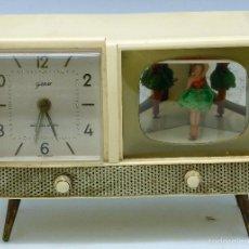Despertadores antiguos: RELOJ DESPERTADOR GOLDBÜHL A CUERDA CON MÚSICA Y BAILARINA AÑOS 50 WEST GERMANY FUNCIONA . Lote 55706250