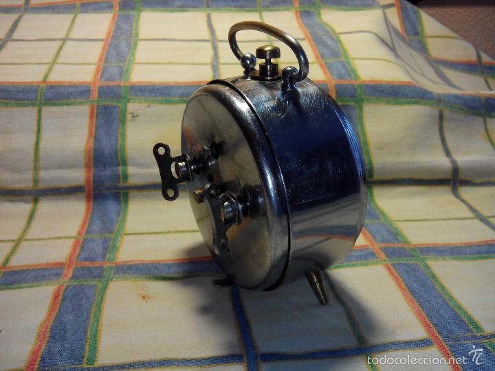 Despertadores antiguos: ANTIGUO DESPERTADOR A CUERDA. AÑOS 60. FUNCIONANDO. (((( TRATADO )))). BUENA CONSERVACION. DESCRIP. - Foto 5 - 56091084