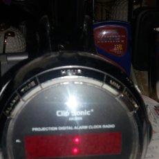 Despertadores antiguos: RADIO RELOJ DESPERTADOR CLIP SONIC FUNCIONANDO. Lote 63400023