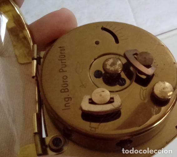 Despertadores antiguos: maquinaria e inscripcion de la oficina de ingenieros que lo obtuvo en su dia como regalo - Foto 6 - 47845484