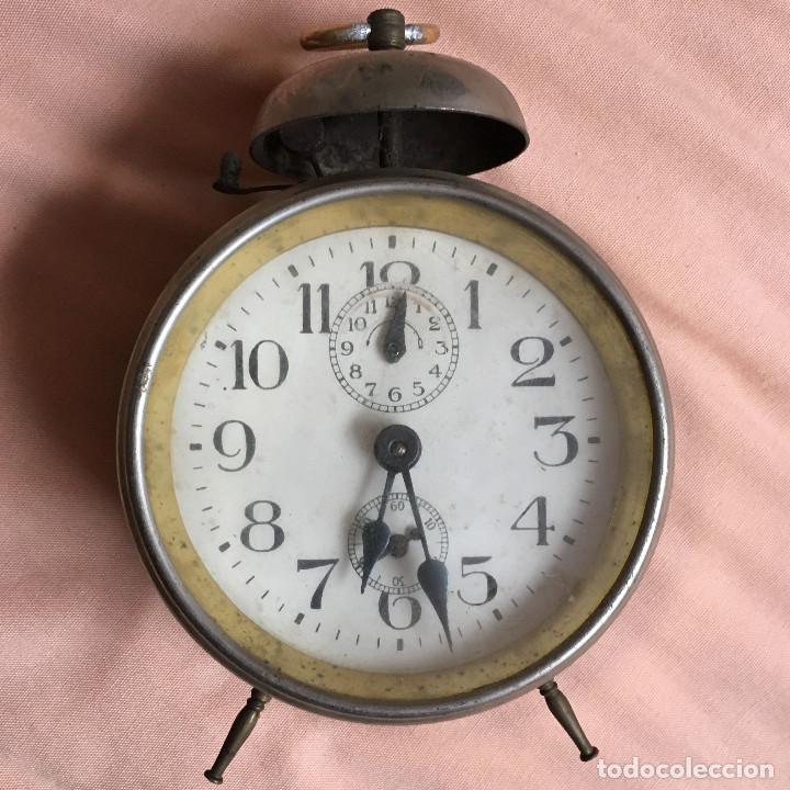 ELEGANTE RELOJ DESPERTADOR MUY ANTIGUO CON ESFERA DE SEGUNDERO / VINTAGE CLOCK WATCH (Relojes - Relojes Despertadores)