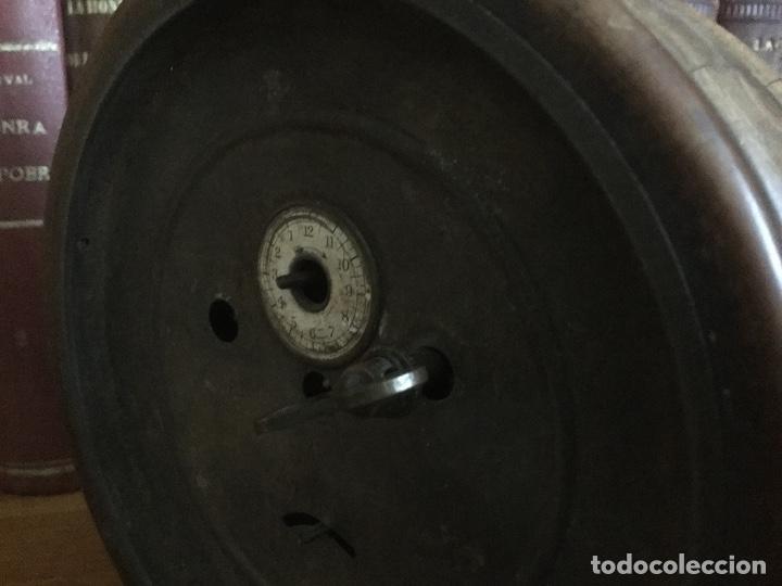 Despertadores antiguos: Precioso y antiguo reloj alarma. - Foto 10 - 68117705