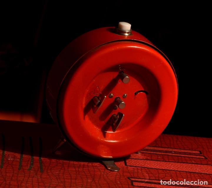 Despertadores antiguos: MAGNÍFICO DESPERTADOR TITÁN, EXCELENTE ESTADO - Foto 3 - 72032543