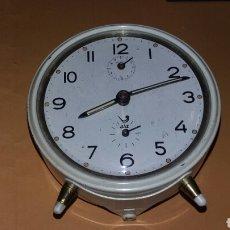 Despertadores antiguos: RELOJ DESPERTADOR DE CUERDA - MARCA JAZ - CAR61. Lote 74599523