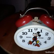 Despertadores antiguos: RELOJ DESPERTADOR MICKEY MOUSE WALT DISNEY PRODUCCIÓN MADE IN GERMANY. Lote 76036295