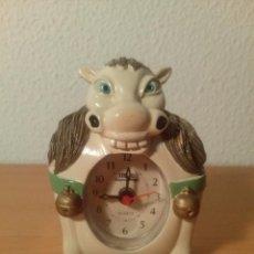Despertadores antiguos: RELOJ DESPERTADOR CON FORMA DE CABALLO. NUEVO. FUNCIONA.. Lote 80375045
