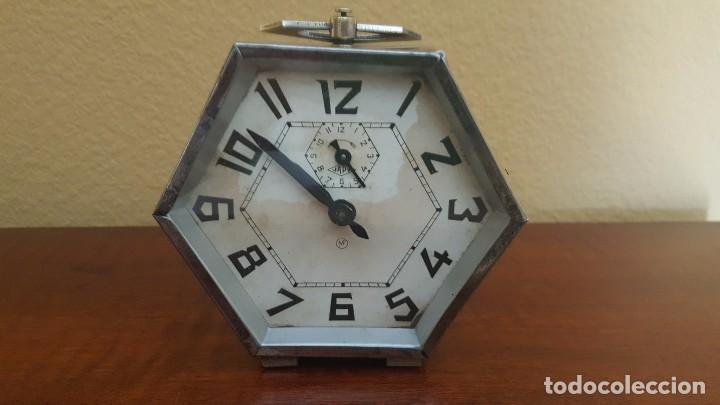 Despertadores antiguos: Reloj despertador modernista cromado. En funcionamiento. - Foto 2 - 80960320
