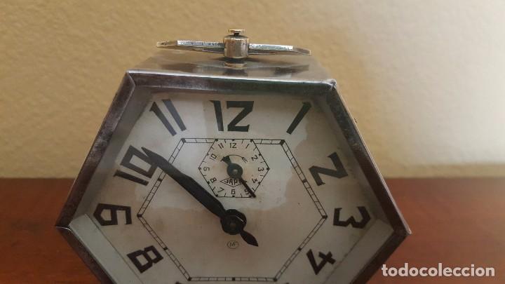 Despertadores antiguos: Reloj despertador modernista cromado. En funcionamiento. - Foto 3 - 80960320