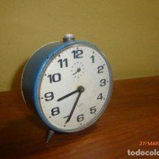 Despertadores antiguos: RELOJ DESPERTADOR TITAN. AÑOS 70. CARGA MANUAL. FUNCIONA CORRECTAMENTE.. Lote 81270872