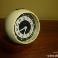 Despertadores antiguos: RELOJ DESPERTADOR TITAN. MADE IN SPAIN. AÑOS 70. A ESTRENAR. CARGA MANUAL. RETRO VINTAGE. Lote 82457524
