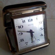 Despertadores antiguos: BONITO RELOJ DESPERTADOR DE VIAJE MARCA DELUXE ALEMANIA AÑOS 60/70 2 JEWELS. Lote 46412803