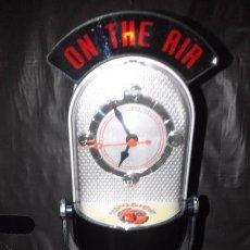 Despertadores antiguos: RELOJ TIPO MICROFONO EMISORA DE RADIO ¡¡ NUEVO !!. Lote 98874634
