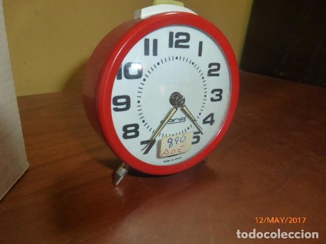 RELOJ DESPERTADOR GONG. CARGA MANUAL. AÑOS 70 VINTAGE. A ESTRENAR, DE STOCK DE RELOJERÍA (Relojes - Relojes Despertadores)