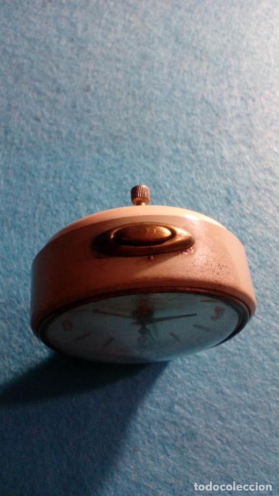 Despertadores antiguos: RELOJ DESPERTADOR TITAN FUNCIONANDO MEDIDAS 8X6X2 CM - Foto 2 - 87534052