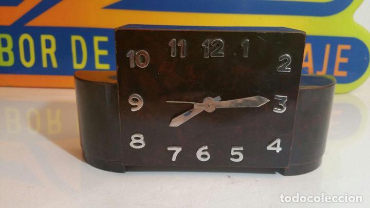 RELOJ DESPERTADOR DE MADERA ART DECO (Relojes - Relojes Despertadores)