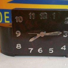 Despertadores antiguos: RELOJ DESPERTADOR DE MADERA ART DECO. Lote 88355104
