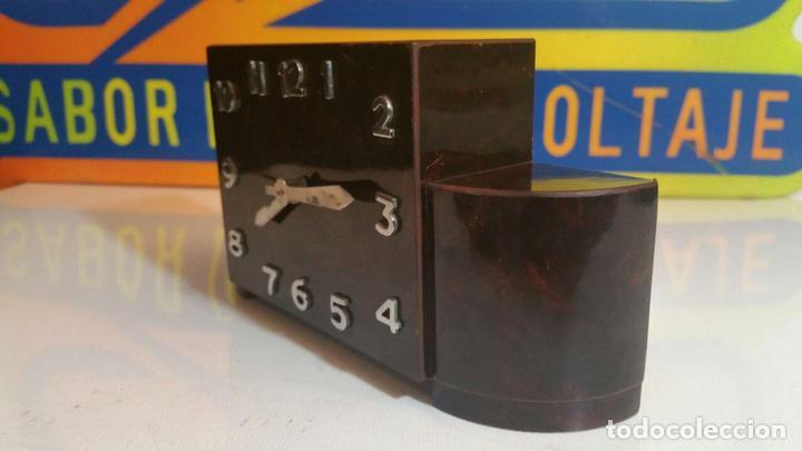 Despertadores antiguos: RELOJ DESPERTADOR DE MADERA ART DECO - Foto 3 - 88355104