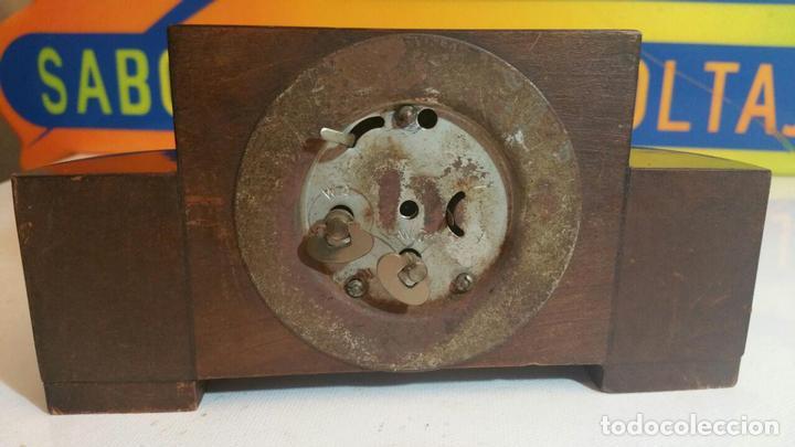Despertadores antiguos: RELOJ DESPERTADOR DE MADERA ART DECO - Foto 4 - 88355104