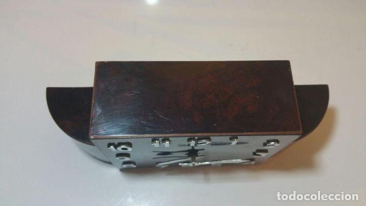 Despertadores antiguos: RELOJ DESPERTADOR DE MADERA ART DECO - Foto 5 - 88355104