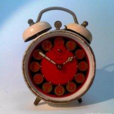 Despertadores antiguos: RELOJ-DESPERTADOR MARCA PETER. FUNCIONANDO. ESMALTE EXTERIOR CON FALTAS. . Lote 89463280
