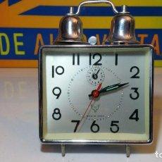 Despertadores antiguos: RELOJ DESPERTADOR MADE IN CHINA CUADRADO. Lote 90216092