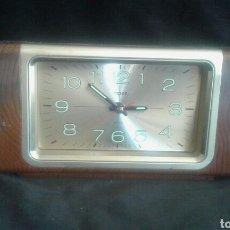 Despertadores antiguos: RELOJ DESPERTADOR SOBREMESA IMPEX AÑOS 70 . Lote 94187549