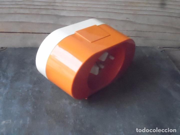 Despertadores antiguos: reloj despertador kaiser naranja vintage funciona - Foto 3 - 96444307