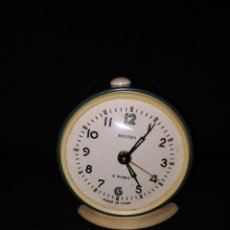 Despertadores antiguos: ANTIGUO RELOJ DESPERTADOR VINTAGE AÑOS 60 ROSTOV 4 RUBIA DECORACIÓN RETRO MADE IN USSR. Lote 97478630
