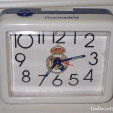 Alte Wecker - reloj despertador real madrid con luz iluminando la esfera - 99387299