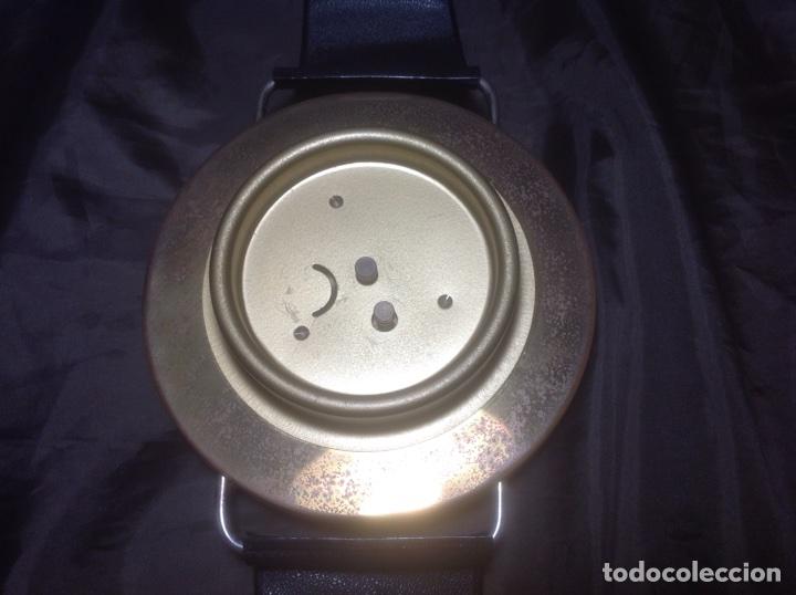 Despertadores antiguos: Reloj de pulsera gigante en latón y plástico publicidad Telasa S.A. Caracas - Foto 14 - 103286759