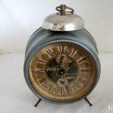 Despertadores antiguos: ANTIGUO RELOJ DESPERTADOR CON CAMPANA, NO FUNCIONA, MEDIDAS 11 CM. Lote 103971275