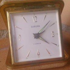 Despertadores antiguos: RELOJ DESPERTADOR DE VIAJE MARCA EUROPA AÑOS 70. Lote 104592115