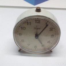 Despertadores antiguos: ANTIGUO RELOJ DESPERTADOR TITAN FUNCIONANDO MEDIDAS 6X3 CM PESO160GR. Lote 104772927
