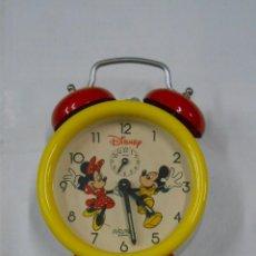 Despertadores antiguos: RELOJ DESPERTADOR DE SOBREMESA DISNEY. MICKEY MOUSE Y MINNIE. PB30. Lote 107494999