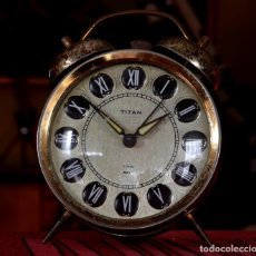 Despertadores antiguos: ANTIGUO DESPERTADOR A CUERDA TITÁN DOS CAMPANAS. Lote 109007907