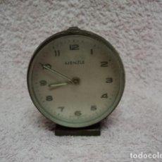 Despertadores antiguos: MAGNIFICO RELOJ ANTIGUO VINTAGE KIENZLE ALEMAN MADE IN ALEMANIA FUNCIONANDO DESPERTADOR A CUERDA. Lote 113360615
