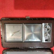 Despertadores antiguos: RADIO RELOJ DESPERTADOR A CUERDA ASIBO. Lote 114117780