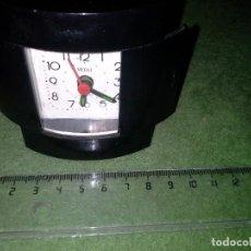 Despertadores antiguos: DESPERTADOR DE LOS 80 CON PUERTAS EL RELOJ FUNCIONA PERFECTO, EL DESPERTADOR NO.. Lote 114227835