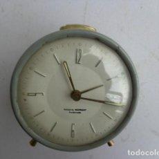 Despertadores antiguos: ANTIGUO (AÑOS 60 RETRO VINTAGE), Y BONITO DESPERTADOR, COMPLETO, BUEN ESTADO Y FUNCIONANDO. Lote 114476343