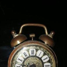 Despertadores antiguos: PRECIOSO RELOJ DESPERTADOR A CUERDA BLESSING, METAL FILIGRANA.. Lote 118305879