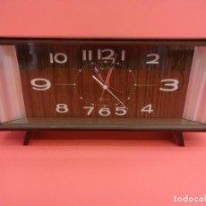 Despertadores antiguos: ANTIGUO RELOJ DESPERTADOR TOKYO CLOCK 2 JEWELS. ORIGINAL AÑOS 1960S. FUNCIONANDO. 24CTMS.. Lote 118620779