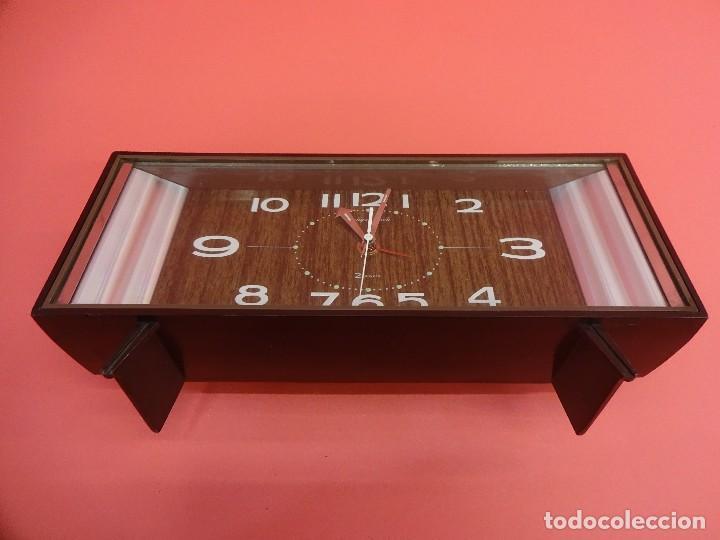 Despertadores antiguos: Antiguo reloj despertador TOKYO CLOCK 2 Jewels. Original años 1960s. Funcionando. 24ctms. - Foto 2 - 118620779
