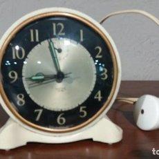 Despertadores antiguos: DESPERTADOR ELECTRICO INGLES. Lote 119461539
