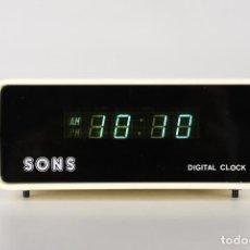 Despertadores antiguos: RELOJ DESPERTADOR DIGITAL SONS METACRILATO AÑOS 70. Lote 120438651