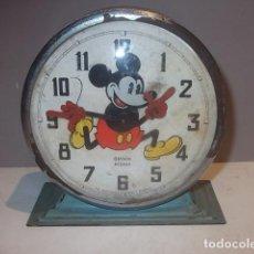 Despertadores antiguos: RELOJ DESPERTADOR BAYARD MICKEY MOUSE MADE IN FRANCE WALT DISNEY AÑOS 50 FUNCIONA,BARATO. Lote 122477303