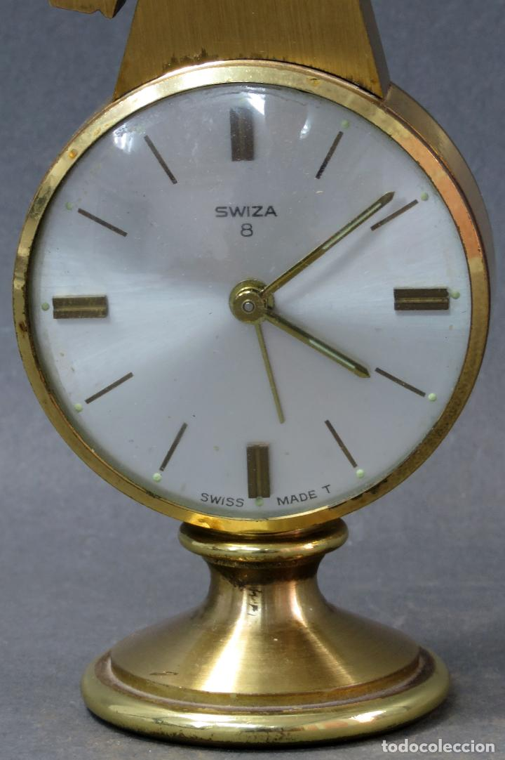 Despertadores antiguos: Reloj despertador bronce forma cabeza caballo Swiza ocho días funcionando años 80 - Foto 2 - 124628555