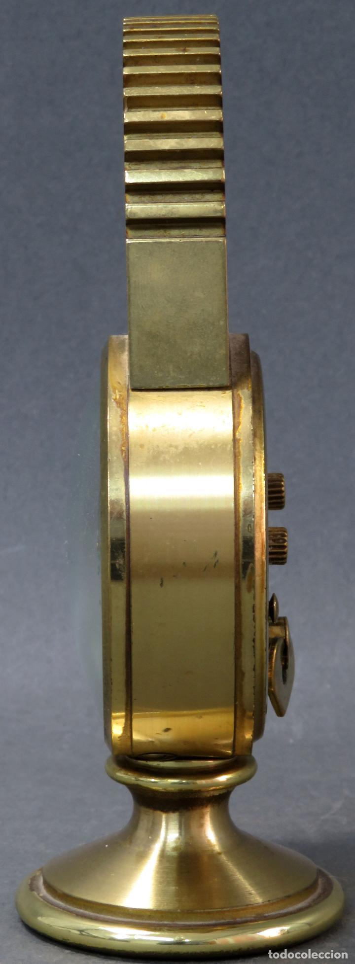 Despertadores antiguos: Reloj despertador bronce forma cabeza caballo Swiza ocho días funcionando años 80 - Foto 3 - 124628555