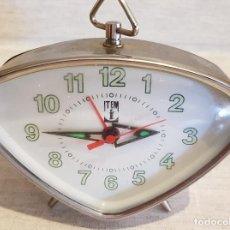 Despertadores antiguos: DESPERTADOR A CUERDA, MARCA ITEM / ESTÁ FUNCIONANDO / LE FALTA UN REPASO / 11 X 9 CM. Lote 125308771